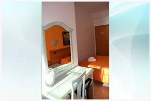camera arancione - il corallo (5)